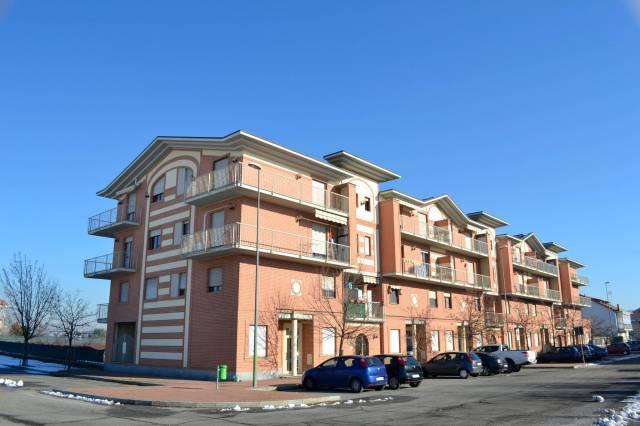 Appartamento in buone condizioni in affitto Rif. 6144627