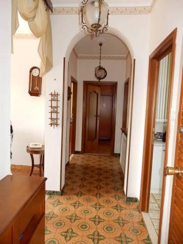 Appartamento in vendita a Mondovì, 4 locali, prezzo € 80.000   CambioCasa.it