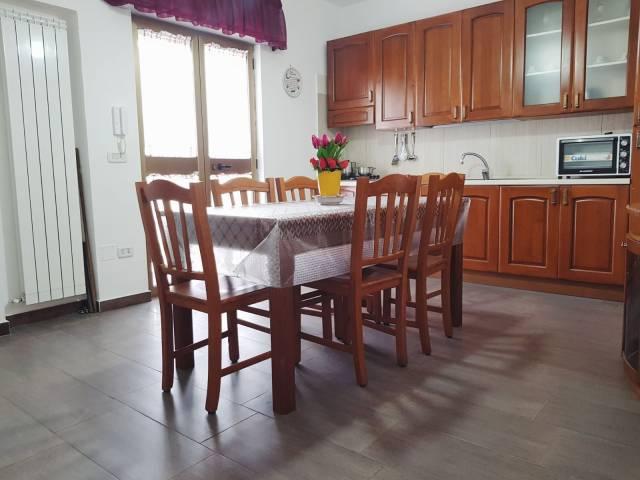 Appartamento in ottime condizioni in vendita Rif. 6139025