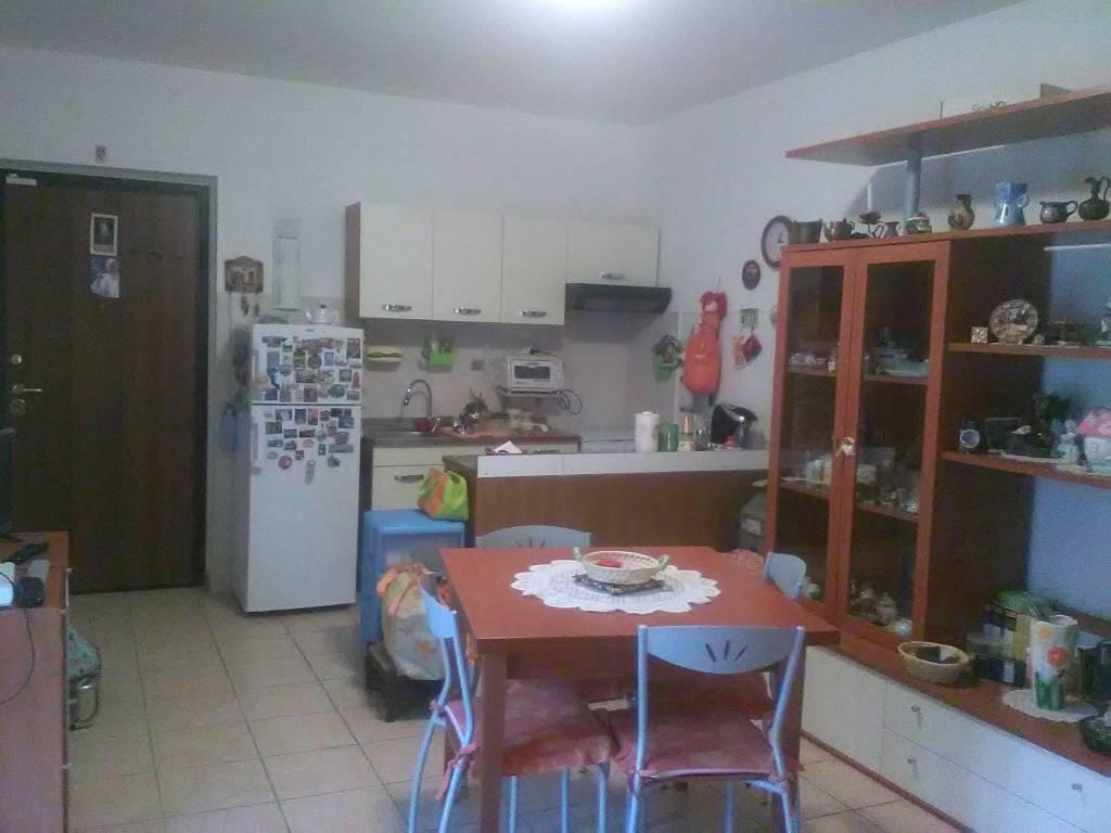Appartamento in buone condizioni in vendita Rif. 8204392