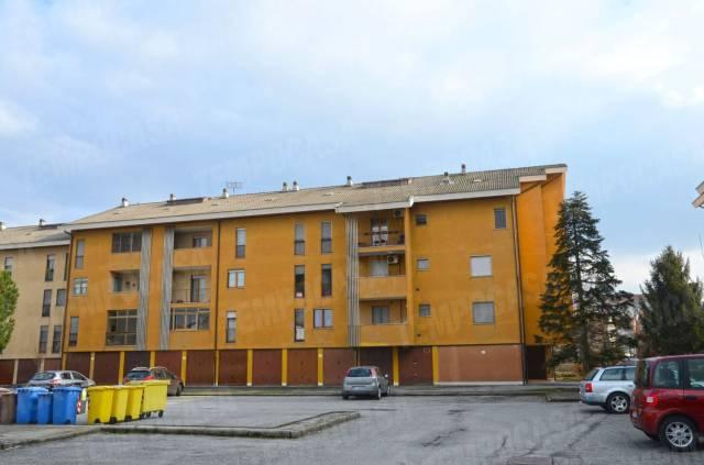 Appartamento in buone condizioni in affitto Rif. 6160318