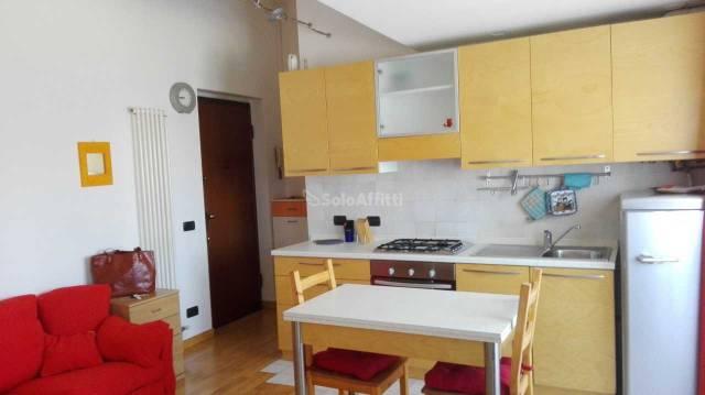 Appartamento in buone condizioni arredato in affitto Rif. 6160641