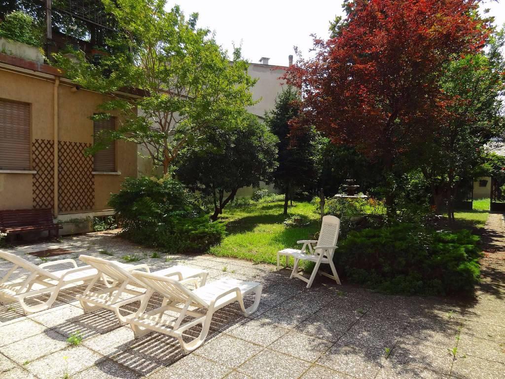 Villa in Vendita a Milano 20 Bicocca / Crescenzago / Cimiano: 5 locali, 895 mq