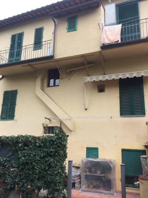 Soluzione Indipendente in vendita a Firenze, 6 locali, prezzo € 220.000 | CambioCasa.it