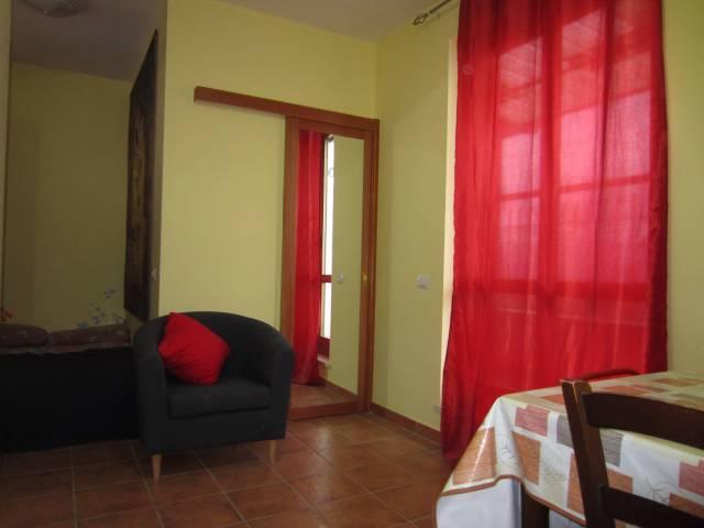 Appartamento in ottime condizioni arredato in affitto Rif. 6951190