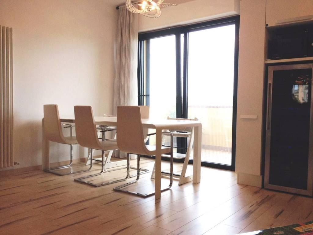 Appartamento in buone condizioni parzialmente arredato in vendita Rif. 8369693