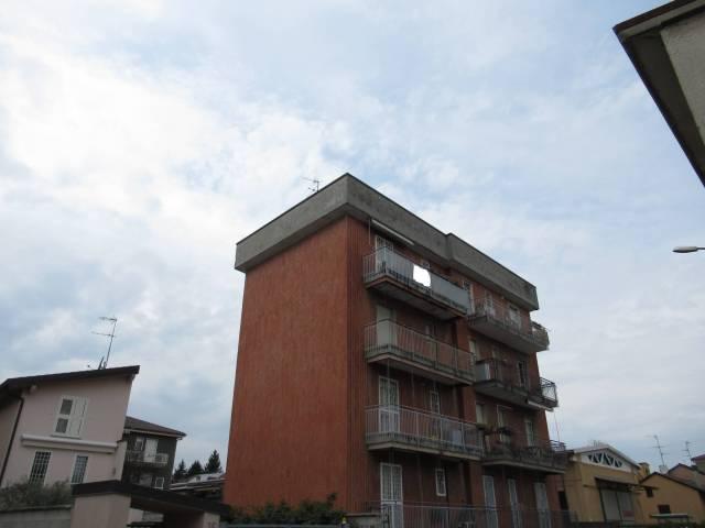 Appartamento in buone condizioni in vendita Rif. 6173092