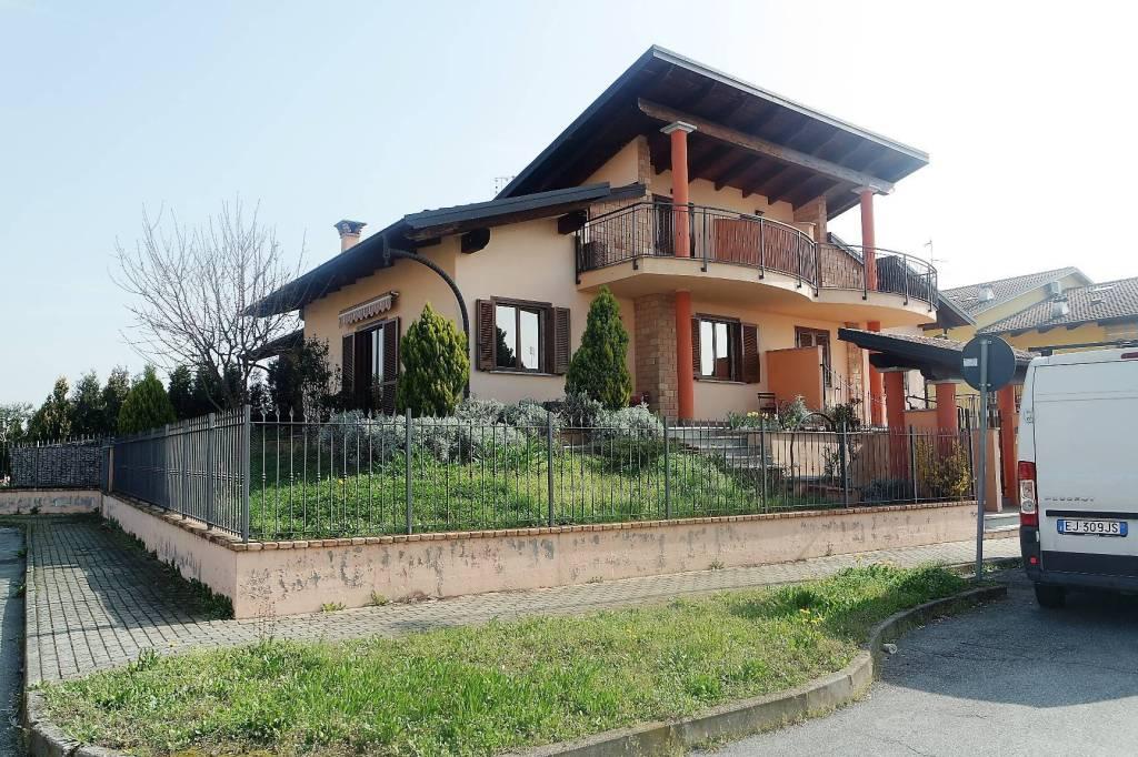 Appartamento in ottime condizioni in vendita Rif. 6178265