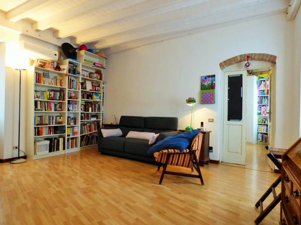 Appartamento in buone condizioni in vendita Rif. 6169901