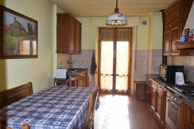 Appartamento in Vendita a Citta' Della Pieve: 5 locali, 130 mq