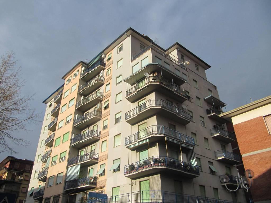 Appartamento in ottime condizioni in affitto Rif. 6173371