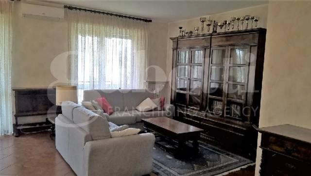 Appartamento in ottime condizioni in vendita Rif. 6173125