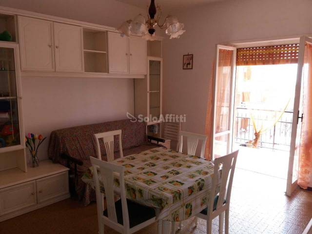 Appartamento in buone condizioni arredato in affitto Rif. 6215097