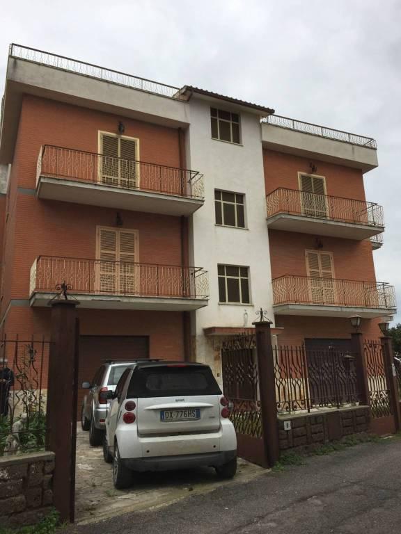 Appartamento da ristrutturare in vendita Rif. 8595958