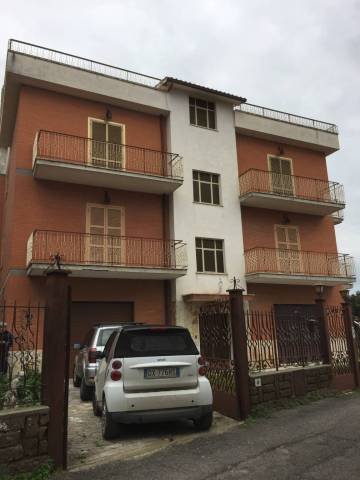 Appartamento ampia metratura Via San Leo, Capena