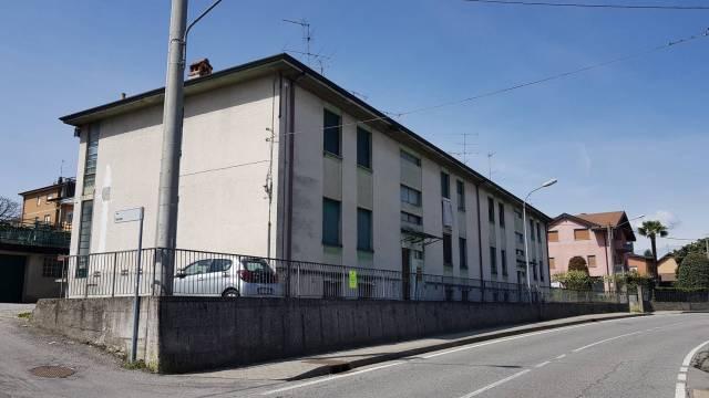 Appartamento in buone condizioni in vendita Rif. 5861225