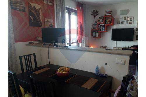 Appartamento in buone condizioni in vendita Rif. 6171951