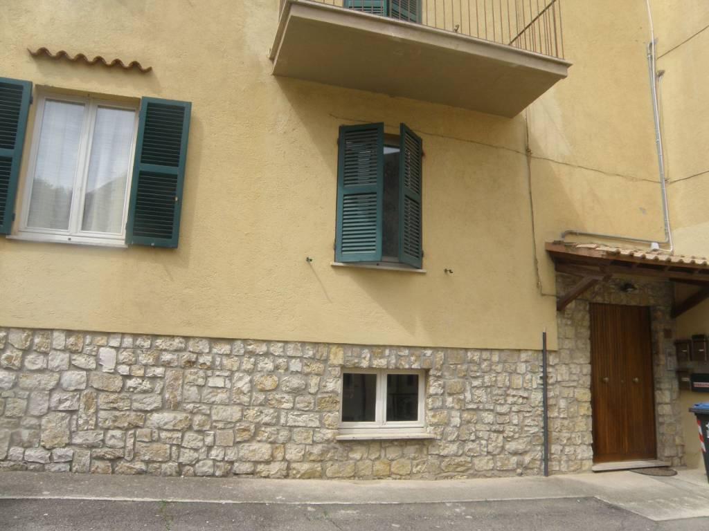 Appartamento in ottime condizioni parzialmente arredato in affitto Rif. 9244460