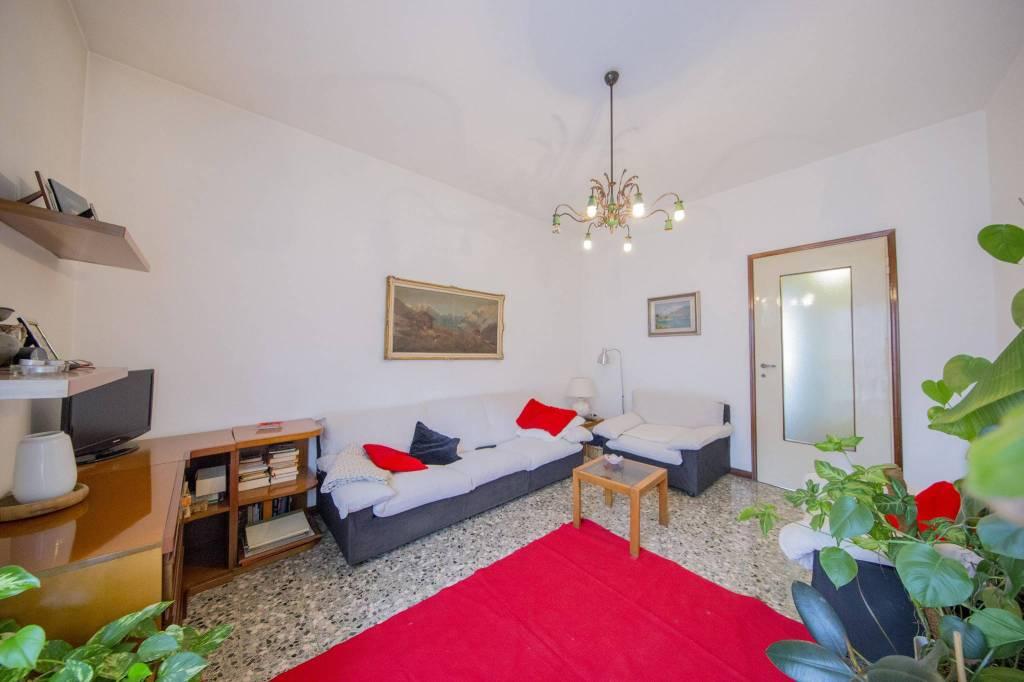 Appartamento in vendita a Sesto San Giovanni, 4 locali, prezzo € 179.000 | CambioCasa.it