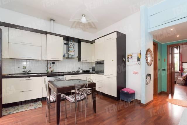 Appartamento in buone condizioni in vendita Rif. 6176759