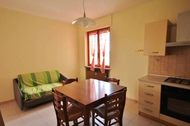 Appartamento in buone condizioni arredato in affitto Rif. 6160772