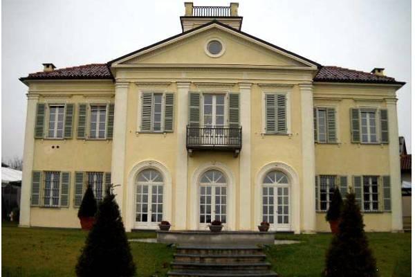 Villa in vendita a Chieri, 18 locali, prezzo € 1.125.000 | PortaleAgenzieImmobiliari.it