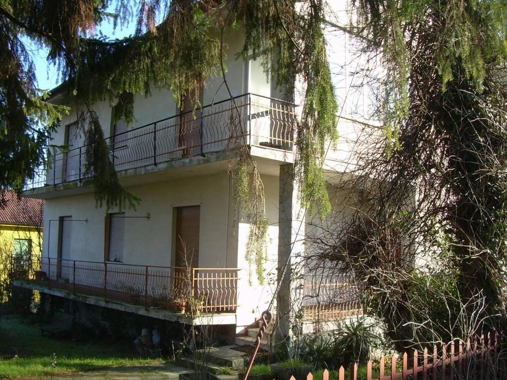 Villa in vendita a Casaleggio Boiro, 8 locali, prezzo € 220.000 | CambioCasa.it