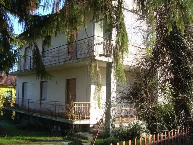 Villa in vendita a Casaleggio Boiro, 6 locali, prezzo € 220.000 | CambioCasa.it
