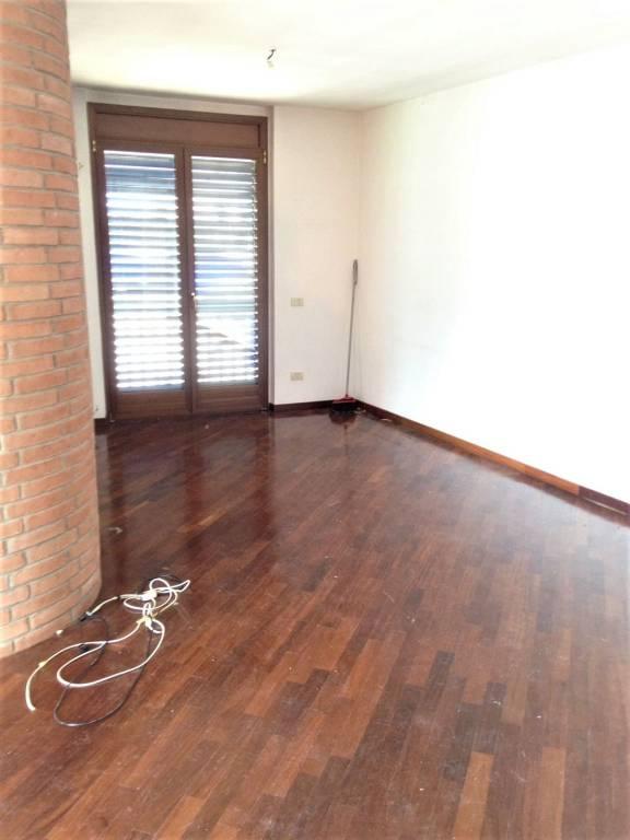 Ufficio / Studio in affitto a Pregnana Milanese, 3 locali, prezzo € 1.300   PortaleAgenzieImmobiliari.it