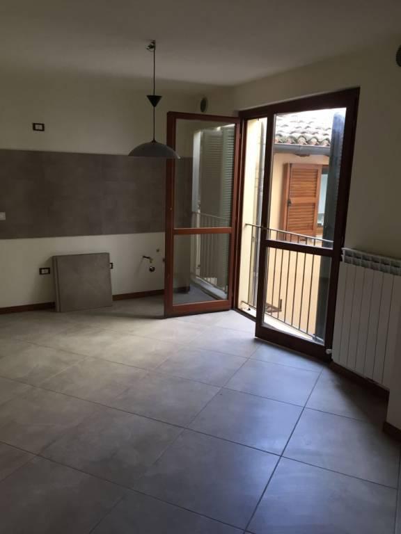 Appartamento in ottime condizioni in vendita Rif. 8851217