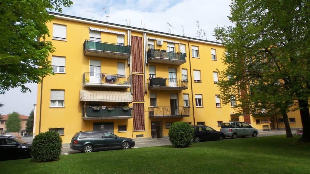 Appartamento in buone condizioni parzialmente arredato in vendita Rif. 6217653