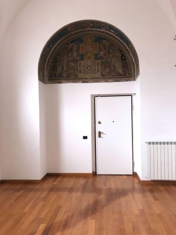 Appartamento in ottime condizioni arredato in affitto Rif. 6211967