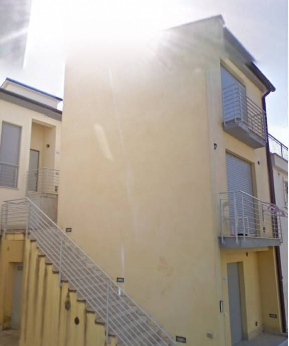 Appartamento in buone condizioni in vendita Rif. 8831989