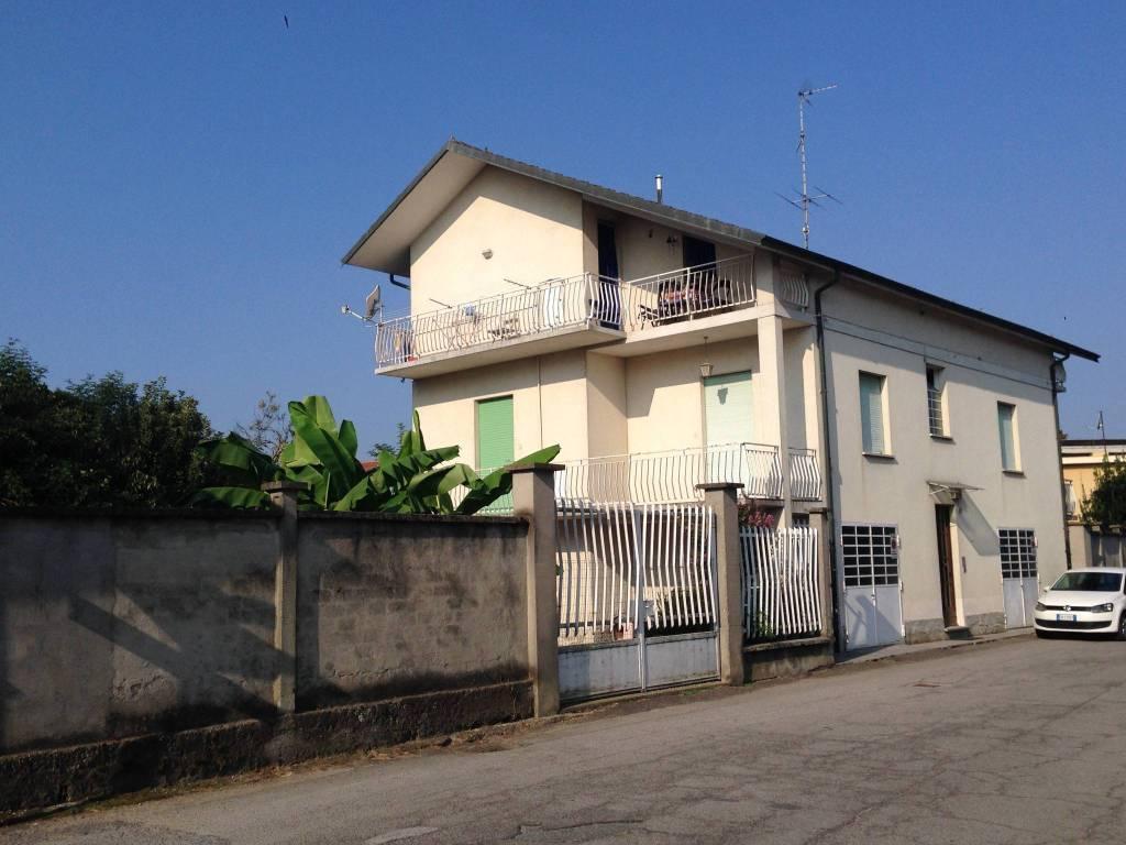 Foto 1 di Villa frazione San Bernardo, Carmagnola