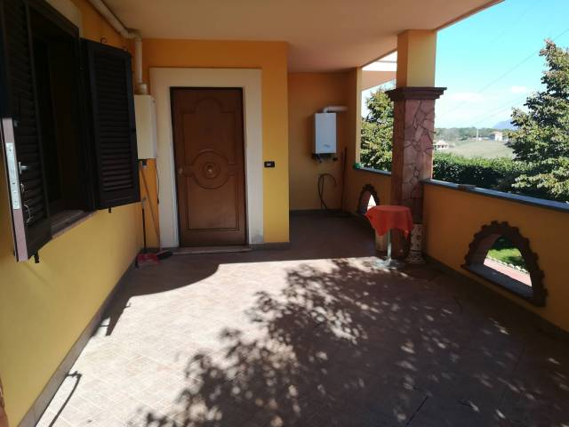 Appartamento in ottime condizioni arredato in affitto Rif. 6204691