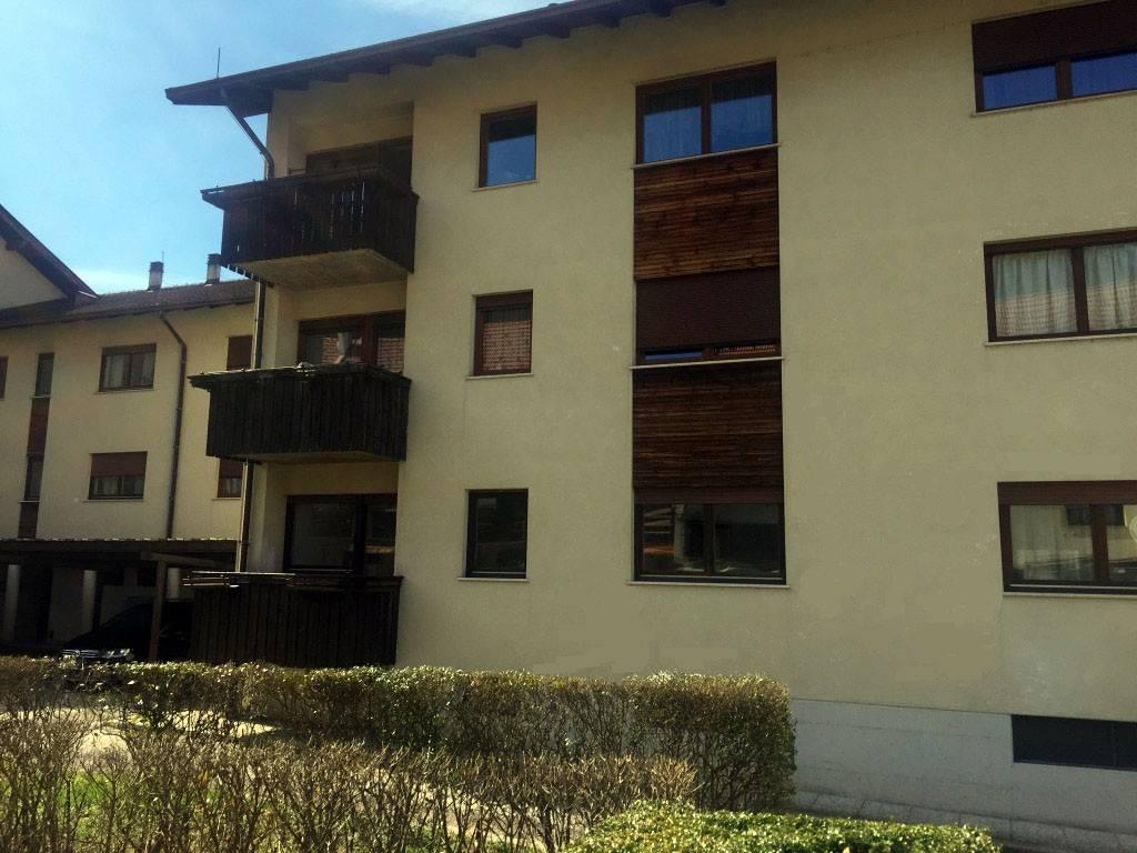 Appartamento in buone condizioni in vendita Rif. 6212229