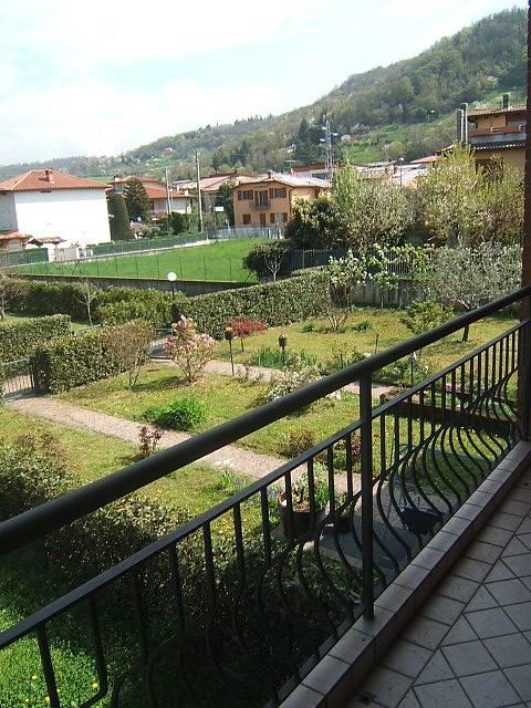 Appartamento in vendita a Scanzorosciate, 2 locali, prezzo € 120.000 | CambioCasa.it