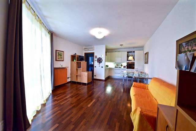 Appartamento in Vendita a Rho: 2 locali, 63 mq