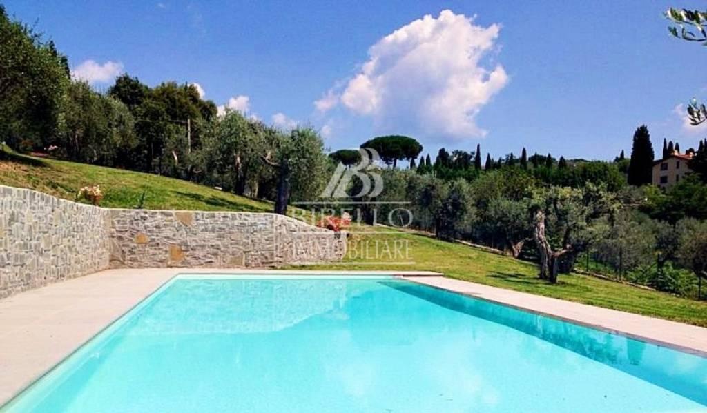 Villa in Vendita a Firenze Semicentro Nord:  5 locali, 270 mq  - Foto 1