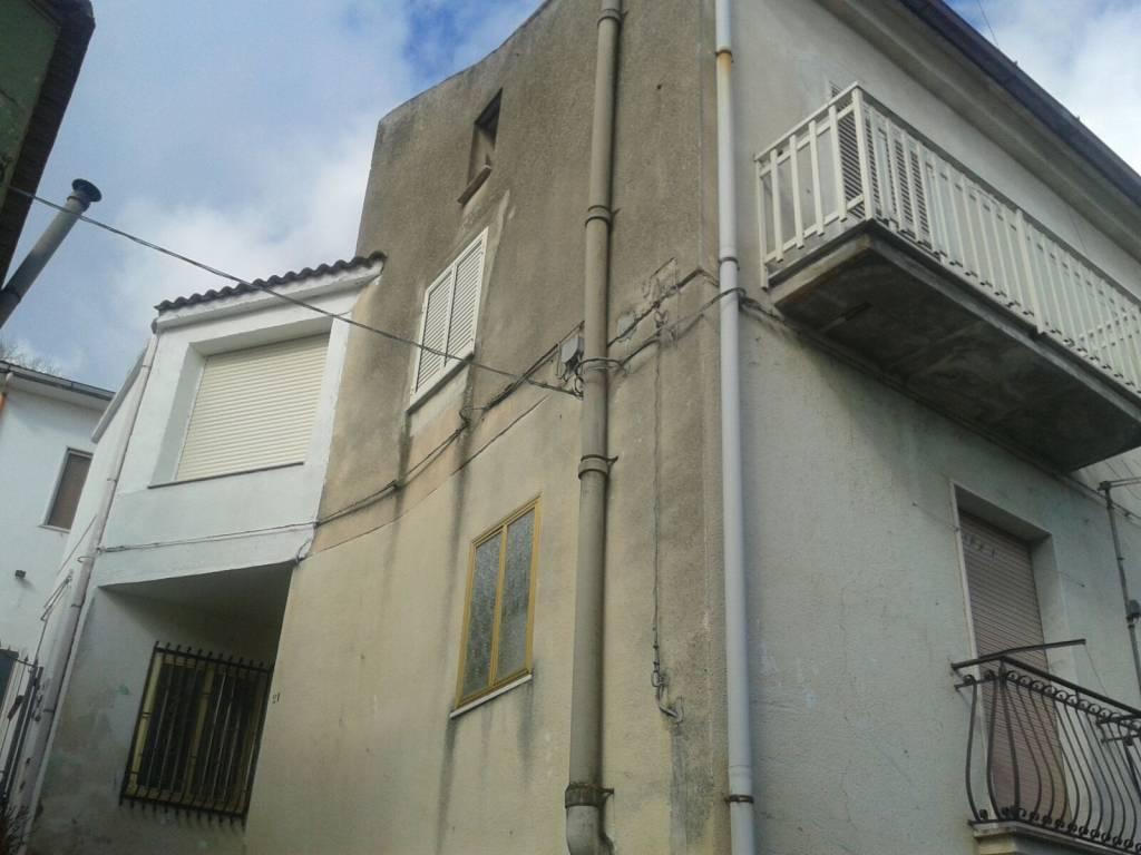 Appartamento in buone condizioni in vendita Rif. 6204486