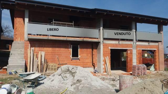 Appartamento trilocale in vendita a Oleggio (NO)