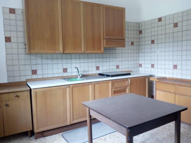 Appartamento in affitto a Mercato San Severino, 1 locali, prezzo € 250 | CambioCasa.it