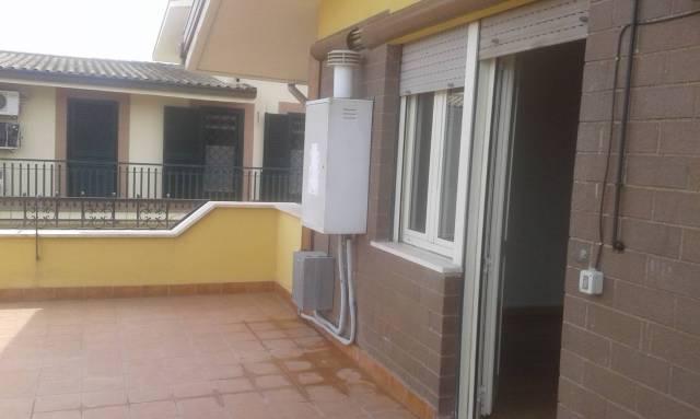 Appartamento in buone condizioni parzialmente arredato in affitto Rif. 6028043