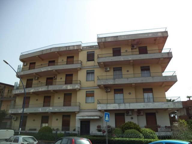 Appartamento in buone condizioni in vendita Rif. 6208956
