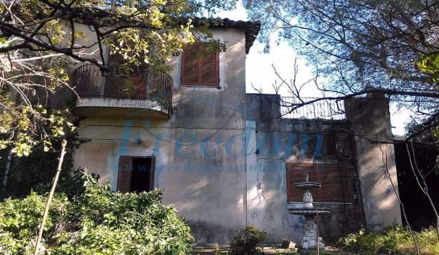 Villa in Vendita a Viagrande Centro: 4 locali, 100 mq