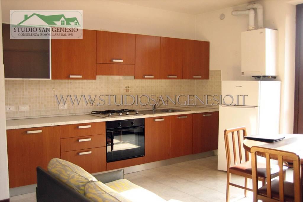 Appartamento in affitto a Cura Carpignano, 2 locali, prezzo € 400 | CambioCasa.it