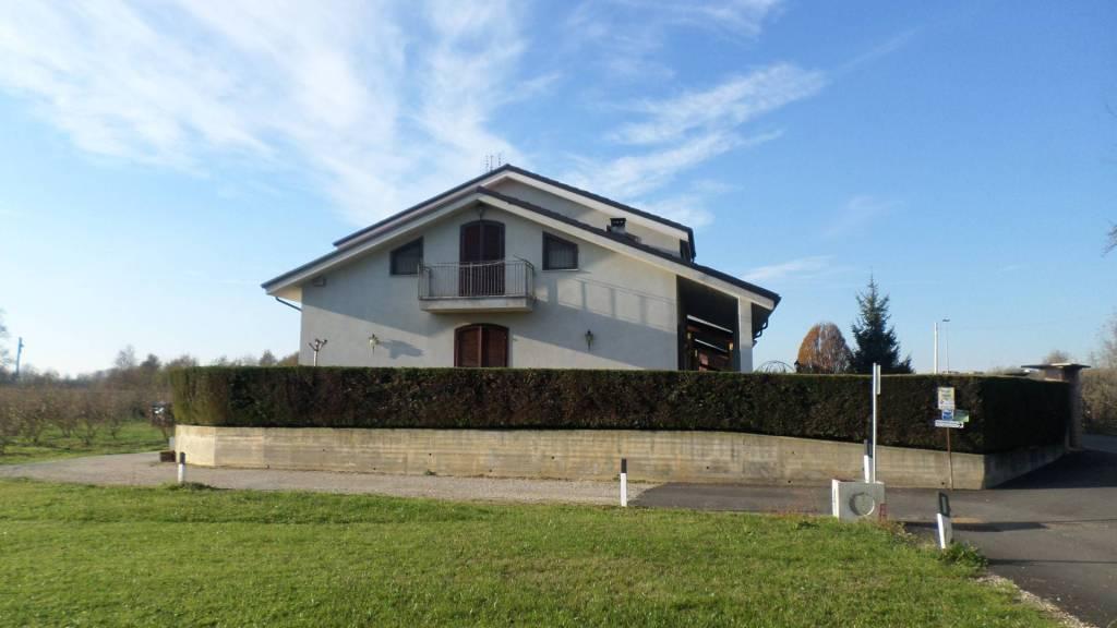 Villa in vendita a Montà, 6 locali, prezzo € 285.000 | CambioCasa.it