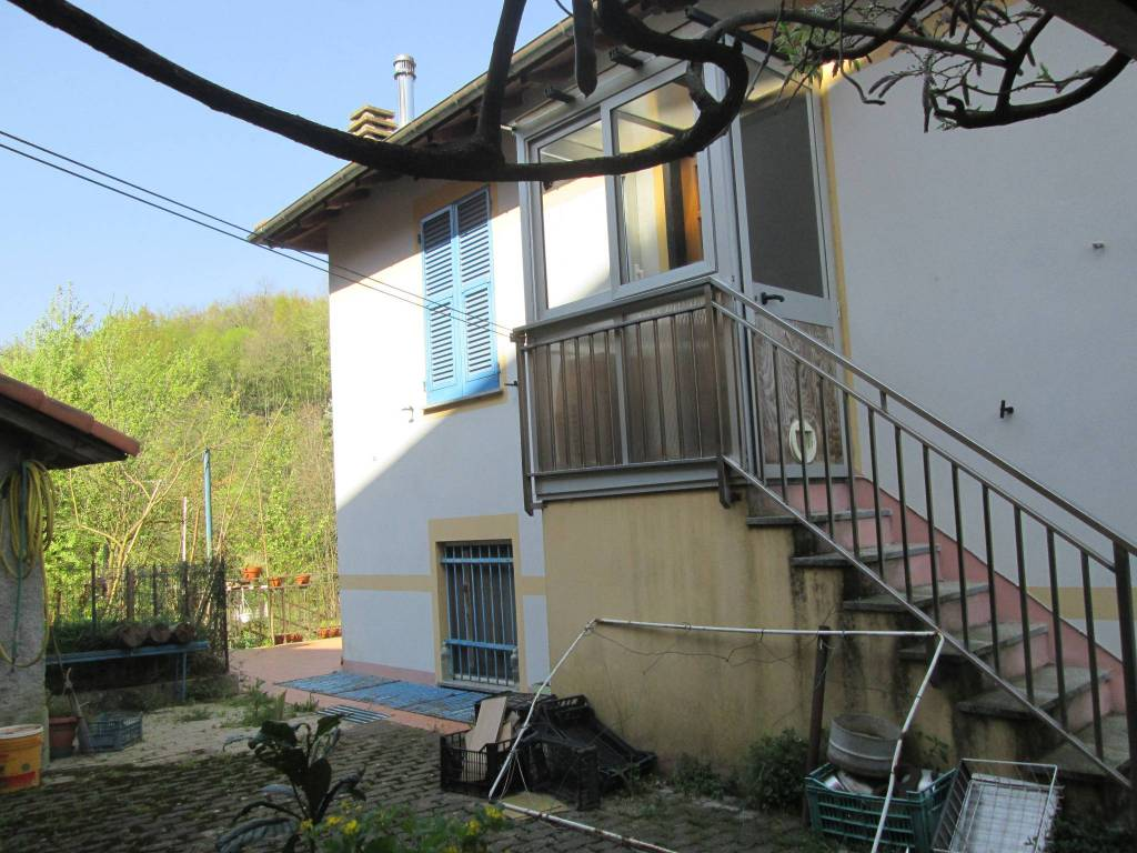 Foto 1 di Villa via Bartolomeo Parodi, Ceranesi