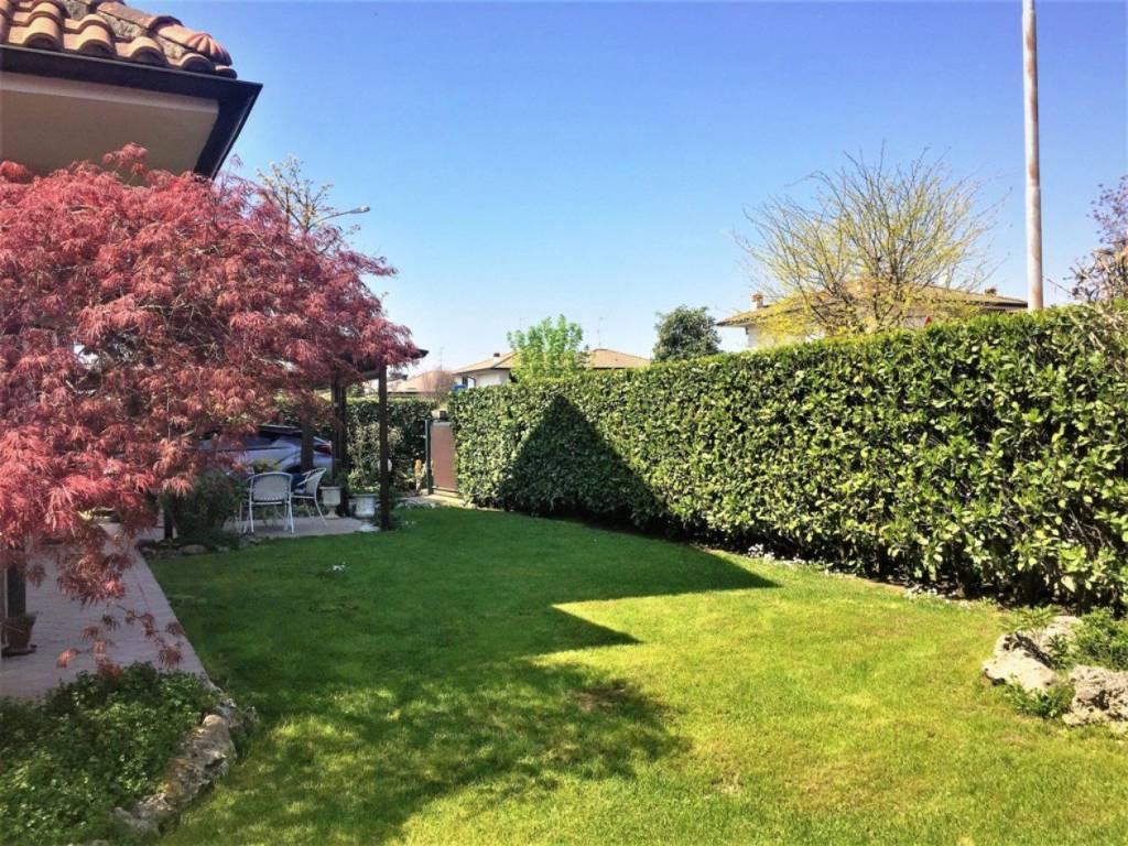 Villa in vendita a Inzago, 4 locali, prezzo € 358.000 | CambioCasa.it