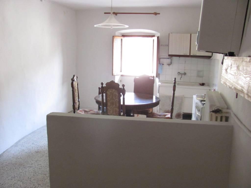Appartamento in buone condizioni in vendita Rif. 6391226